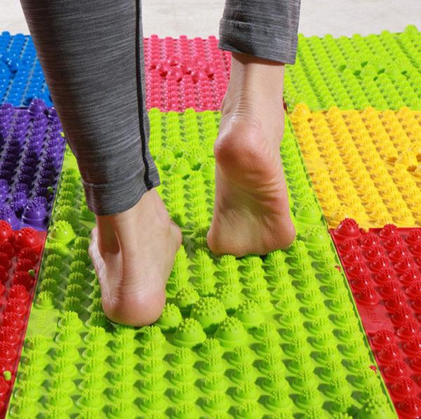 腳底按摩墊 27x37 指壓板 足底穴道按摩 整人 團康活動道具 健康步道 趾壓板 足底按摩【4G手機】