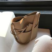 韓國簡約休閒單肩大包韓版水桶包ins百搭通勤斜背子母包女  卡布奇諾