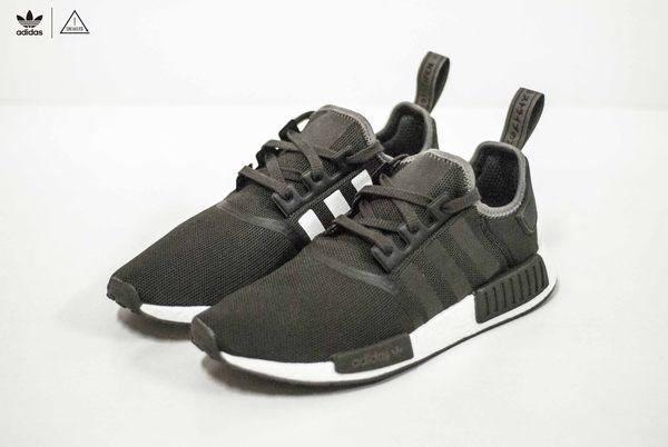 sports shoes 406e9 39440 ISNEAKERS Adidas NMD R1 黑 咖啡 白 陰陽 慢跑鞋 CQ2412