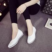一字牌護士鞋女白色坡跟軟底牛筋底美容鞋平底夏季防臭透氣小白鞋 【ifashion·全店免運】