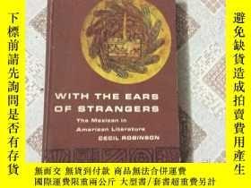 二手書博民逛書店WITH罕見THE EARS OF STRANGERSY1593
