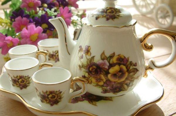 [協貿國際]  歐洲紫羅蘭迷你下午茶陶瓷擺飾茶壺組(整套價)