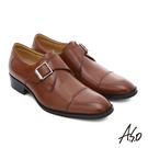 質感小牛皮 透氣舒適耐穿 小圓楦型設計 極簡俐落 健步三密度鞋墊 減壓又吸震