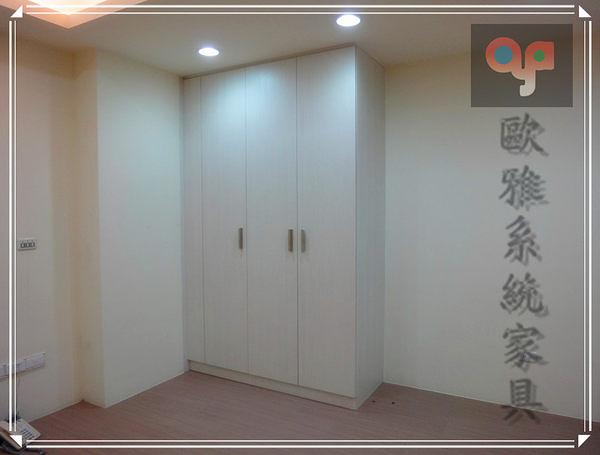 【系統家具】系統家具 白杉木系統衣櫃 德國防潮塑合板 客製化訂做 假門設計