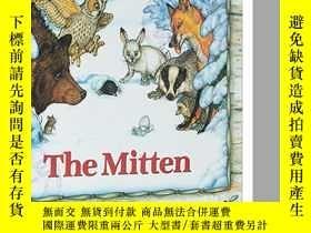 二手書博民逛書店英文原版罕見The Mitten 小手套 兒童繪本低幼童書 紙板