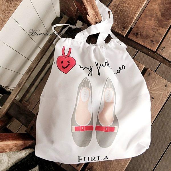 《花花創意会社》外流。白色跟鞋圖案購物袋束口袋【H4847】