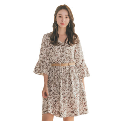 東京著衣【YOCO】YOCO-森林系女孩V領喇吧袖洋裝-S.M.L(190128)