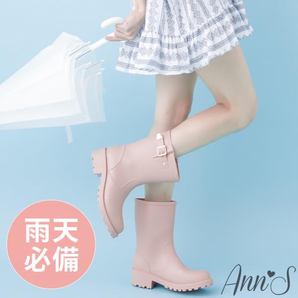 時尚金扣帶中筒雨靴