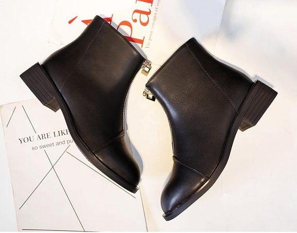 全館83折 英倫風平底短筒靴子小跟短靴女春秋2018新款粗跟低跟前拉鏈馬丁靴