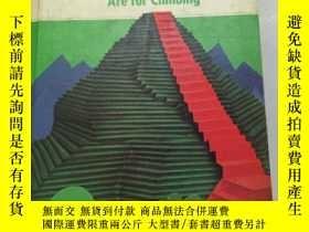 二手書博民逛書店英文版圖書:Mountains罕見 Are for climbi