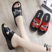 媽媽拖鞋女外穿涼拖軟底防滑中老年時尚女士真皮中年人
