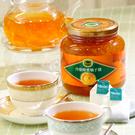 維生素與纖維質豐富的柚子加上純正蜂蜜蜜練而成,芬芳的柚子香與蜂蜜的香甜風味適合加入茶飲或作為抹醬。