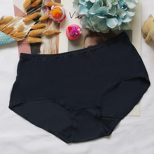 配褲→→→Amorous 私密內衣「朗朗天空」涼感軟鋼圈超包覆機能內衣