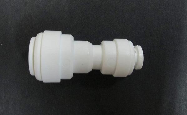 水電接頭.淨水器接頭.塑膠快速接頭ZQ1564,3分管2分管接頭,35元1個