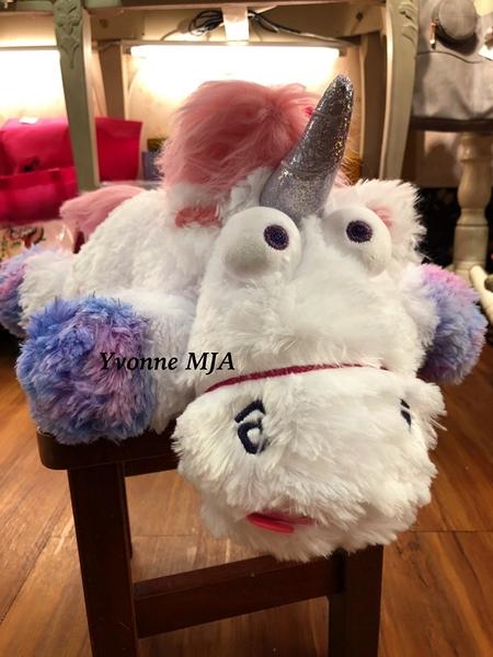 *Yvonne MJA* 日本大阪環球影城限量正版 fluffy unicorn 獨角獸 娃娃 現貨