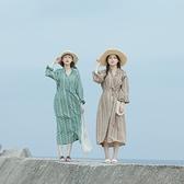 Queen Shop【01085490】花邊領排釦圖騰長袖洋裝 兩色售*現+預*