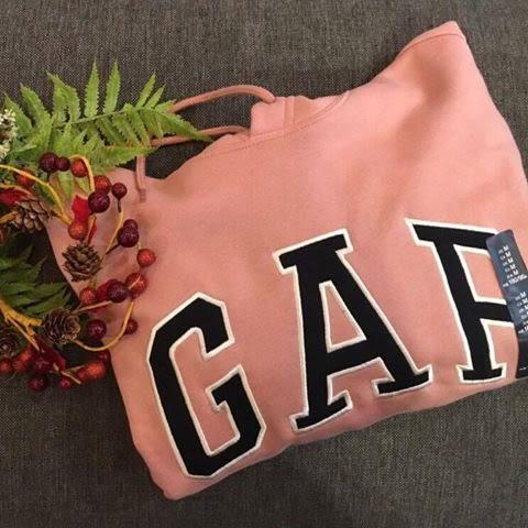 【蟹老闆】GAP 美國品牌 經典文字LOGO款 粉色 連帽帽T 男款