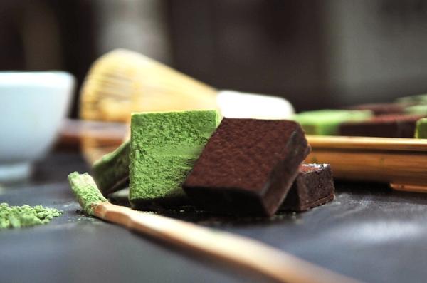 【期間限定】靜岡抹茶生巧克力 入口微苦 70%融舌生巧克力 苦甜交錯 綜合生巧克力12入