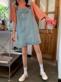 春秋新款大碼胖mm小花刺繡減齡牛仔吊帶裙女學生寬鬆顯瘦背帶短裙 Cocoa