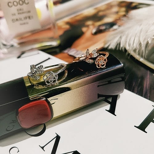 【NiNi Me】戒指 氣質甜美花朵樹葉微鑲水鑽開口式戒指 戒指 F0037