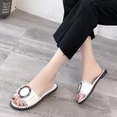 夏季百搭水鑽涼拖鞋 時尚外穿平底一字拖鞋【多多鞋包店】z7620