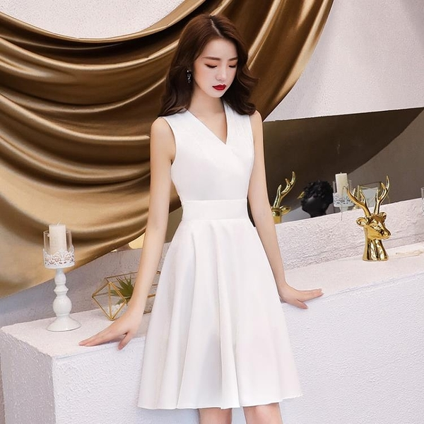 宴會主持人晚禮服女2020新款平時可穿簡單大方名媛小禮服工廠直銷