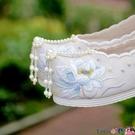 熱賣古風鞋子 春季新款搭配古風漢服的鞋子女繡花鞋內增高弓鞋翹頭古裝布鞋學生 coco