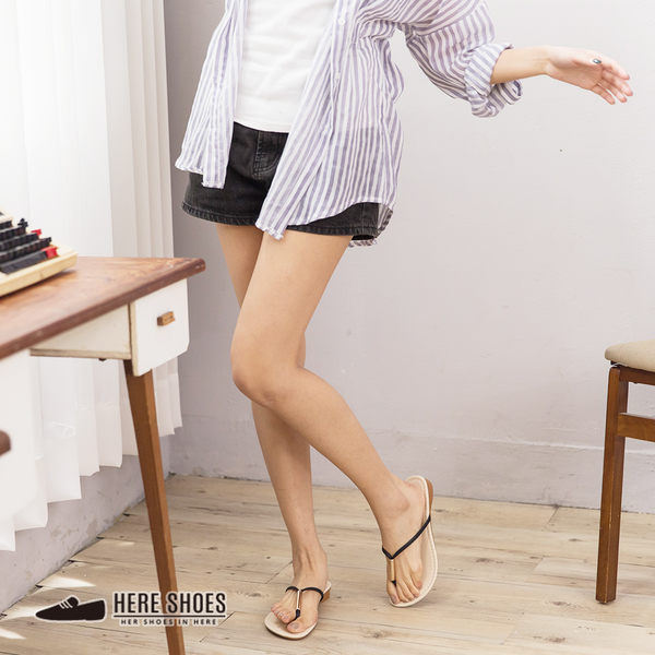 [Here Shoes]3色 皮革質感 個性有型金屬圓管人字拖鞋 超低跟粗跟拖鞋 穿脫方便 ◆MIT台灣製─AD160