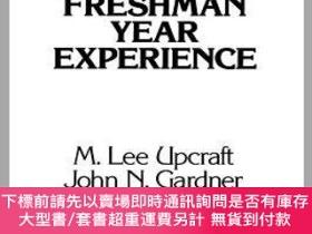 二手書博民逛書店預訂The罕見Freshman Year Experience: Helping Students Survive