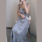 藍色清新碎花吊帶裙很仙的小眾木耳荷葉邊收...