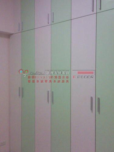 【歐雅系統家具】雙開門衣櫥櫃