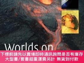 二手書博民逛書店【罕見】Worlds on Fire : Volcanoes on the Earth, the Moon, Ma