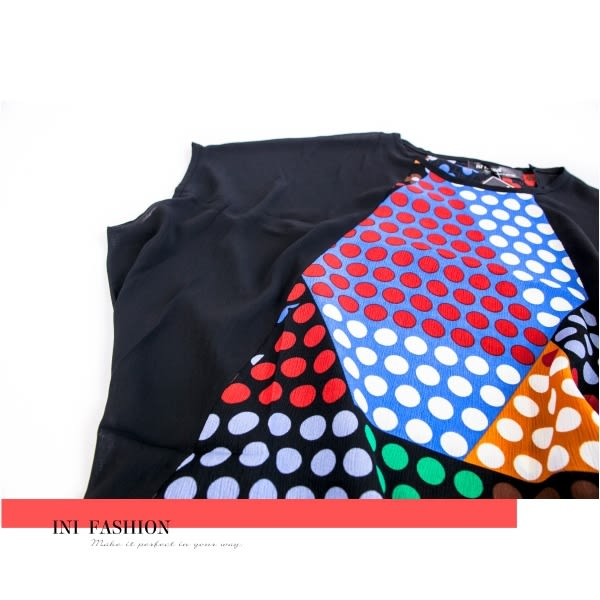 【INI】時尚優雅、細膩輕盈拼接設計款上衣.黑色