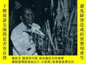 二手書博民逛書店Buddhism罕見And The Spirit Cults In North-east ThailandY2