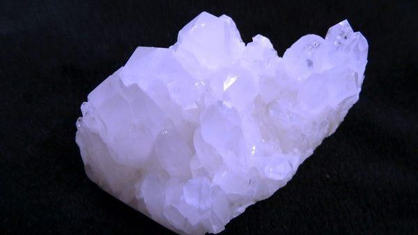 【Ruby工作坊】NO.290WNA優質天然白水晶簇(加持祈福)290G