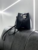 ■專櫃88折■ 全新真品■Karl Lagerfeld黑色 K/IKONIK 老佛爺牛皮水桶包