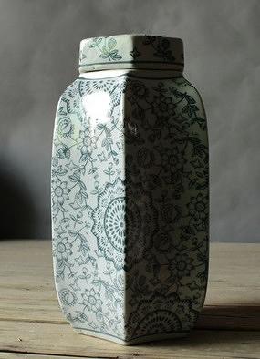 【協貿國際】手繪六角陶瓷罐客廳餐廳花瓶擺件(大)