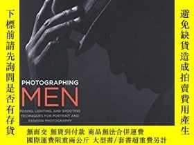 二手書博民逛書店Photographing罕見Men: Posing, Ligh