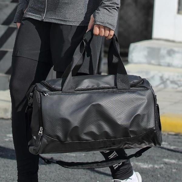 【Charm Beauty】旅行包 男大容量 超大手提健身包 背包 籃球訓練包 出差 旅游 短途 行李袋黑