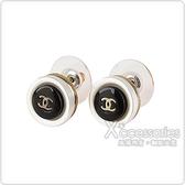 CHANEL 雙C LOGO圓形設計穿式耳環(黑)