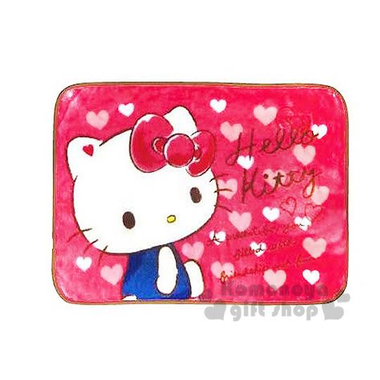 〔小禮堂〕Hello Kitty 隨身披肩毯《桃粉.粉白愛心.側坐.吊帶褲》70x100(cm) 4930972-41785