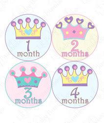 里和Riho 美國First Year零歲寶寶成長記錄妙衣貼 公主皇冠