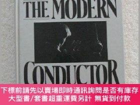 二手書博民逛書店The罕見modern conductor: A college text on conducting based