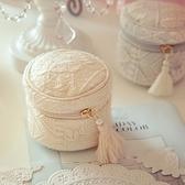 化妝包-羊毛精緻刺繡流蘇女手拿包2色73d20[時尚巴黎]