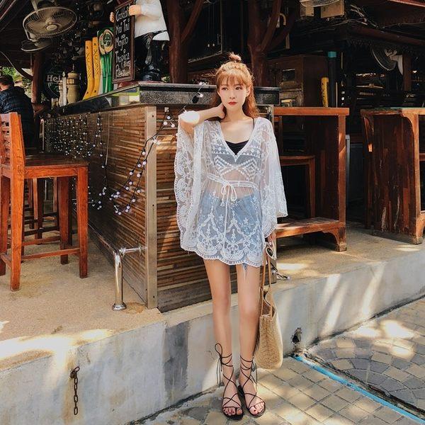 梨卡★現貨 - 韓版度假沙灘防曬長袖顯瘦鉤花蕾絲比基尼罩衫T恤上衣C6230