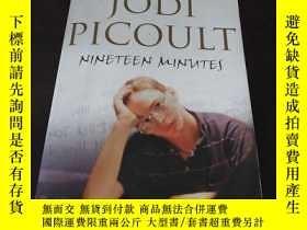 二手書博民逛書店Nineteen罕見Minutes: A novel(英文原版)
