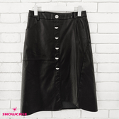 【SHOWCASE】個性時髦拼接裝飾排釦包臀PU中長版A字皮裙(黑)