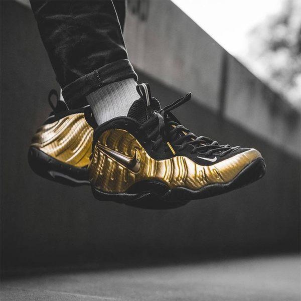 NIKE AIR FOAMPOSITE PRO METALLIC GOLD 金 太空鞋 男 (布魯克林) 2018/3月 624041-701