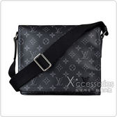 LV M44000 DISTRICT PM花紋LOGO Monogram帆布扣式斜背包(黑)