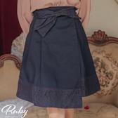 裙子 露比設計‧蕾絲蝴蝶結後鬆緊及膝裙-Ruby s 露比午茶